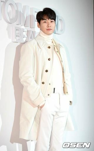 俳優キム・ヨングァン、TOM FORD BEAUTYのフォトイベントに出席。11日午後、ソウル・JCCクリエイティブセンター。