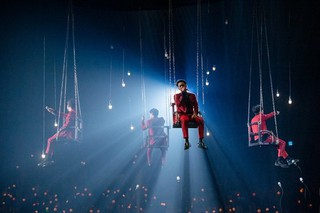 Sechs Kies、4人でコンサートを開催。個人的な問題で今回のコンサート不参加のカン・ソンフンに対する言及はせず。