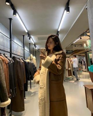 【g公式】女優パク・シネ、 「冬の準備_それでも少しゆっくり寒くなることを…」というコメントと共に写真を公開。
