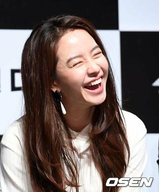 女優ソン・ジヒョ、映画「興奮した雌牛」制作報告会に出席。3日午前、ソウル狎鴎亭CGV。