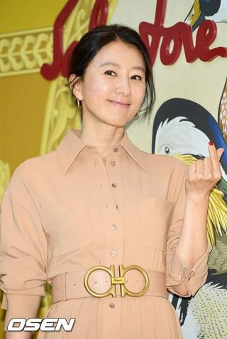 女優キム・ヒエ、ファッションブランド・フェラガモのフォトコール行事に出席。2日午後、新世界百貨店。