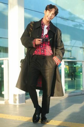 SS501 パク・ジョンミン、ベトナムトップ女優のHari Wonと映画撮影へ。パク・ジョンミンは撮影のため4日午後、仁川国際空港よりベトナムに向けて出国。