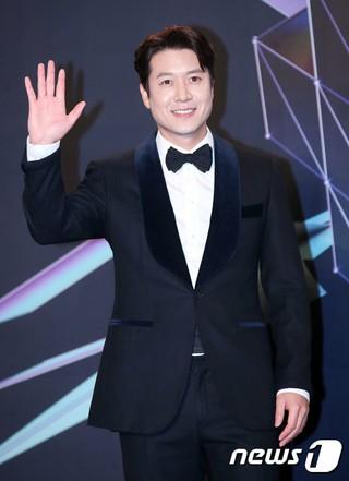 俳優チョ・ヒョンジェ、2018MGA(MBC PLUS X genie music AWARDS)のレッドカーペットに登場。6日午後、仁川南洞体育館。