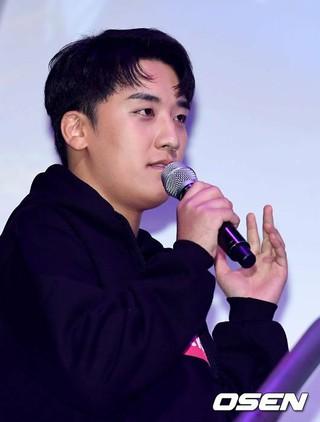 BIGBANG V.I、「HEAD ROCK VR」代表取締役就任式およびプレゼンテーションイベントに出席。7日午前、ソウル・新沙洞S653。クリエイティブ・ディレクターとしてプレ