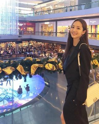 【g公式】女優パク・ミニョン、近況を公開。。●Having a great time in SG