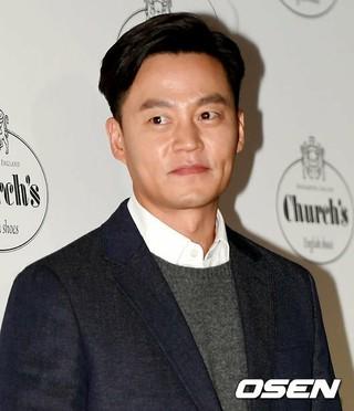 俳優イ・ソジン、ハンドメイドシューズブランド「Church's」のフォトコールに出席。14日午後、ソウル・新世界デパート江南店。