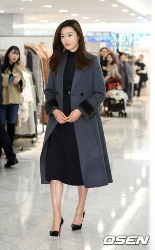 女優チョン・ジヒョン、ブランド「MICHAA」2018ウィンターアイコンコレクションローンチ記念イベントに登場。