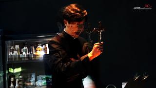 【w公式】俳優ヨン・ウジン、「プリースト」現場の様子を公開。