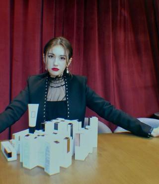 【g公式】I.O.I_出身ソミ、ソロデビューを準備中。●これ全部、私の化粧品。羨ましいでしょう?