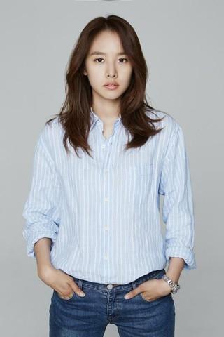 女優チョ・ユンヒ、トーク番組「Happy Together 4」のMC陣に合流。同番組11年ぶりの女子メインMC。。
