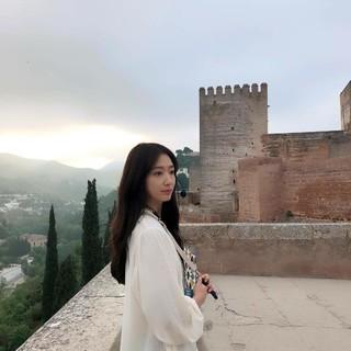 、、【g公式】女優パク・シネ、主演ドラマ「アルハンブラ宮殿の思い出」の場面写真を公開。