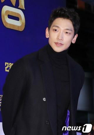 歌手Rain(ピ)、プロデューサーとして男性ソロ歌手や7人組多国籍ボーイズグループなどを準備中と報道。