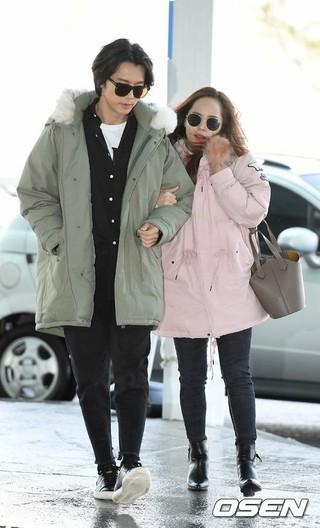 俳優キ・テヨン -S.E.S. ユジン夫妻、雑誌GRAZIAの撮影でパリに出国。13日午前、仁川空港。