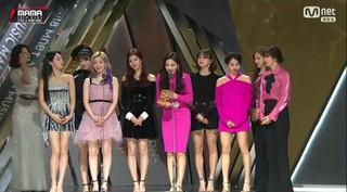 TWICE、「2018 MAMA in HONG KONG」ベストダンスパフォーマンスガールグループ賞を受賞。。