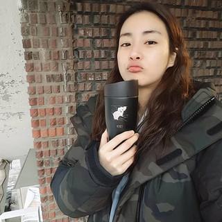 【g公式】女優カン・ソラ、SNS更新。「ミンキータンブラー」。