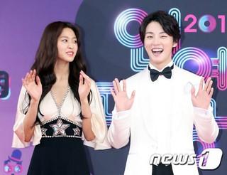 俳優ユン・シユン、AOA ソリョン、「2018 KBS 芸能大賞」に参加中。。