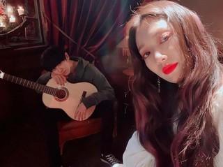 【g公式】女優パク・シネ、 EXO CHANYEOLとの写真を公開。