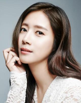 女優チェ・ソンヒョン、DAYエンタと専属契約を締結。イ・ドクファやキム・イルらと事務所仲間に。