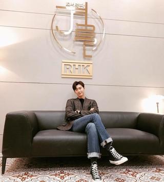 【G公式】俳優イ・ジョンソク、 写真を公開。