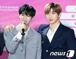 Wanna One ペ・ジンヨン&カン・ダニエル、「第28回ハイワン ソウル歌謡大賞」レッドカーペットに登場。。