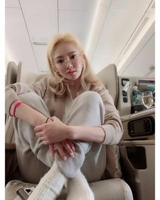【g公式】少女時代_ヒョヨン、32時間のフライト中に熟睡ファッション公開。