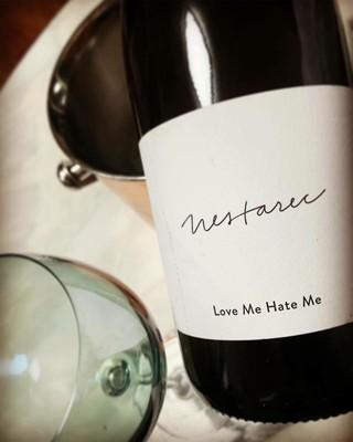 、、【g公式】KARA_出身ニコル、近況報告。「Love me、Hate Me 」  #naturalwine #nestarec。