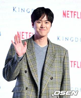俳優 コンミョン(5urprise)、Netflixオリジナルドラマ「キングダム」レッドカーペットイベントに出席。21日午後、ソウル・蚕室ロッテワールドモール。。