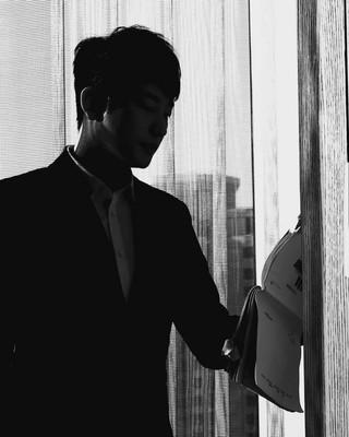 【G公式】俳優パク・シフ、写真公開。