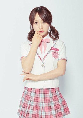 AKB48 PRODUCE 48 出身の高橋朱里、日本での交通事故に韓国でも心配の声。送迎車両が対向車線からの右折車両に衝突。●検査で骨に異常が無いことは確認。●安静の為、1週