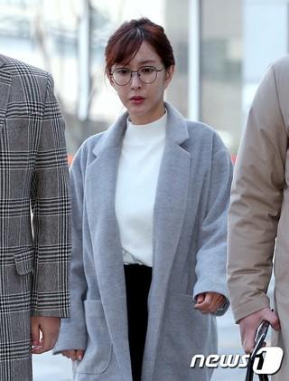 韓国検察、数億ウォン台に及ぶ海外常習賭博容疑で在宅起訴されたS.E.S. シューに懲役1年求刑。
