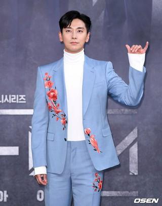 俳優チュ・ジフン、MBC新ドラマ「アイテム」制作発表会に出席。11日午後、ソウル・上岩MBC。。