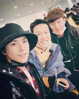 【G公式】HIGHLIGHT_ドンウン、大阪空港で会ったサッカー選手キム・ヨングォン&ファン・ウィジョとの写真を公開。