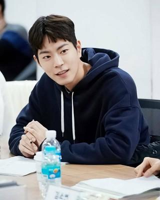 【r公式jes】 俳優ホン・ジョンヒョン、KBS新ドラマ「世界で一番可愛い私の娘」台本読み現場。