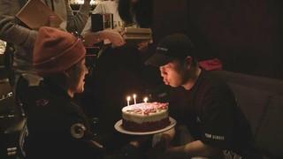 、、【G公式】GOT7_ジャクソン、SNS更新。「Happy birthday BOYTOY」。