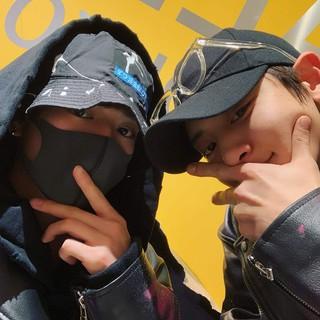 """EXO CHANYEOLと新田真剣佑、SNSで""""デート写真""""公開。"""