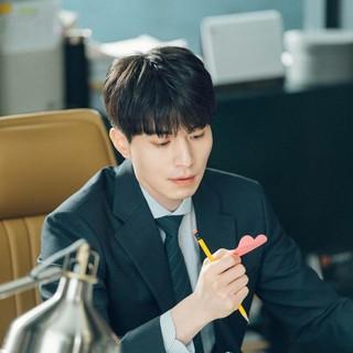 【G公式】俳優イ・ドンウク、 tvN水木ドラマ「真心が届く」現場写真を公開。