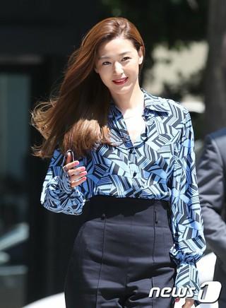 女優チョン・ジヒョン の夫チェ・ジュンヒョク氏、「バンク・オブ・アメリカ」を退社。ファミリービジネスに携わるために退社を決定。●夫の父親は国際鋼材及びある資産運用会社のオーナー。