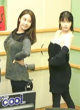 IU、女優ユ・インナ、一緒にCM撮影。昨日、自動車メーカの広告。11歳差の親友で「アイユインナ」のニックネームも。 (3枚)