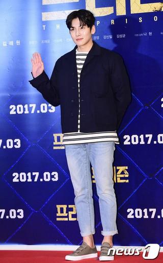 俳優チ・チャンウク、映画「プリズン」VIP試写会に出席。@ソウル・COEXメガボックス。 (1枚)