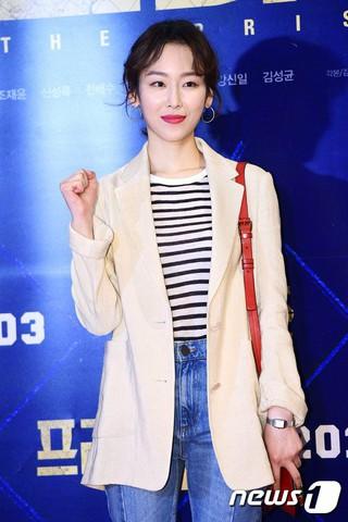 女優ソ・ヒョンジン、映画「プリズン」VIP試写会に出席。@ソウル・COEXメガボックス。