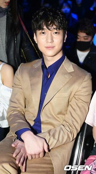 俳優コ・ギョンピョ、「2017 F/W HERAソウルファッションウィーク」The Studio Kショーに出席。@ソウル・東大門デザインプラザ(DDP)。
