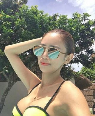 女優イ・テイム、SNS更新。ビキニ姿でセクシー美を発散。家族と共にフィリピン旅行中。 (3枚)