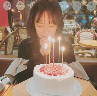 AFTERSCHOOL 元メンバーのユ・ソヨン、SNS更新。誕生日ケーキを前に「願いを叶えて」。