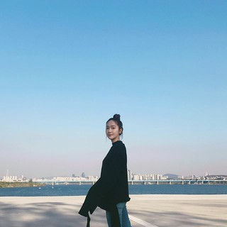 ジェシカ、SNS更新。Perfect afternoon walk。 (1枚)