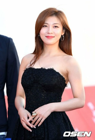 女優ハ・ジウォン、「第18回全州国際映画祭」開幕式に出席。@全羅北道全州市・全州ドーム。 (3枚)