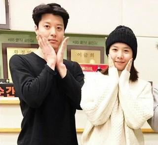 結婚発表の女優チョ・ユンヒ、妊娠。俳優イ・ドンゴン、「結婚を準備する過程で新しい生命が訪ねてくる喜びまで得ました」「感謝しながら、ときめきながら、我々2人の2世を待っています」。