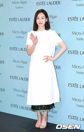 ソ・ヒョンジン、ソウル市内で行われた「Estee Lauder」イベントに出席。