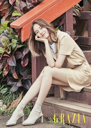 女優チョ・ユンヒ、画報公開。雑誌GRAZIA。