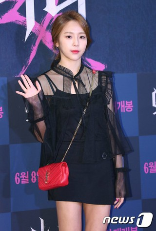 JEWELRY 出身イェウォン、映画「悪女」制作発表会に出席。@ソウル・COEXメガボックス。 (3枚)