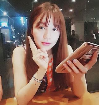 ユン・ウネ、SNS更新。ラブリーキュートブイ!